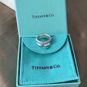 T&co. 1837 ring. 💯authentic!